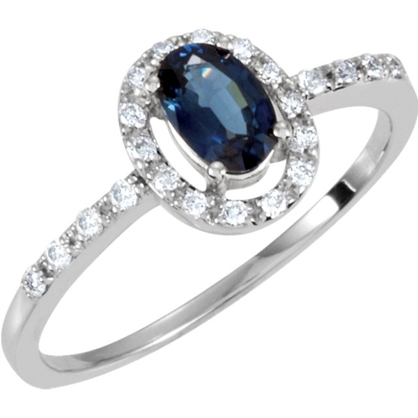 Picture of 0.17 Total Carat Halo Wedding Round Diamond Ring
