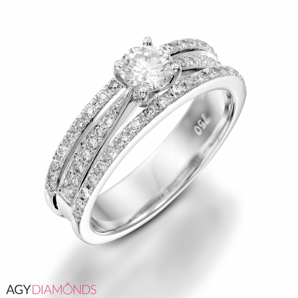 Picture of 0.90 Total Carat Classic Engagement Round Diamond Ring