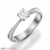 Picture of 0.30 Total Carat Classic Engagement Round Diamond Ring